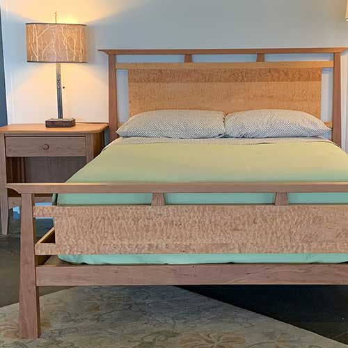 Mendon Bed 255403