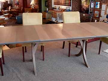 Vernon Trestle Extension Table